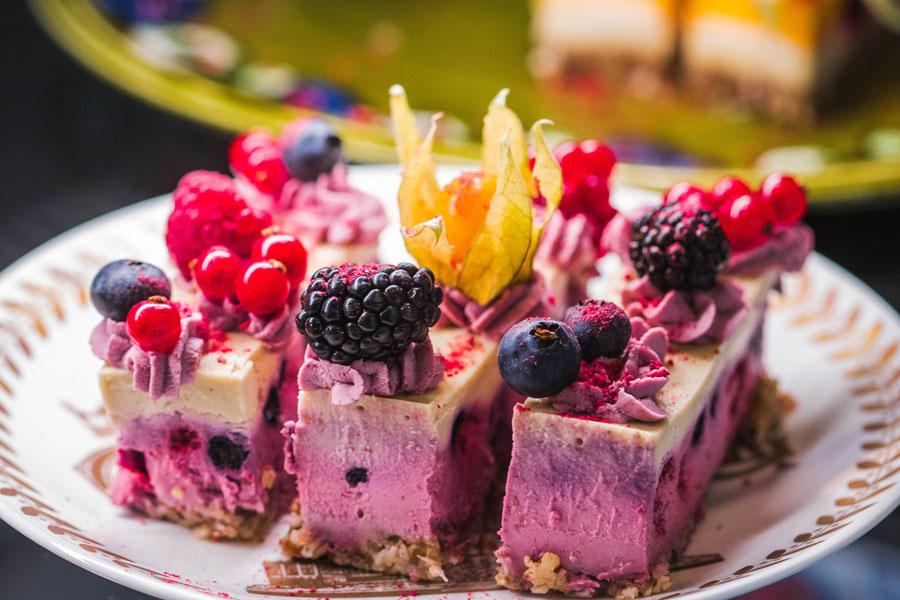 kolač-sa-bobičastim-voćem